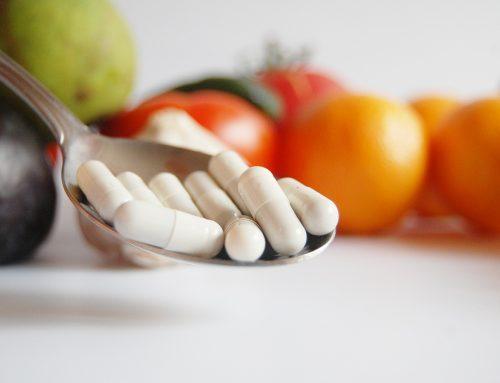 Welche Nahrungsergänzungsmittel brauchen Veganer (und Alles-Esser)?